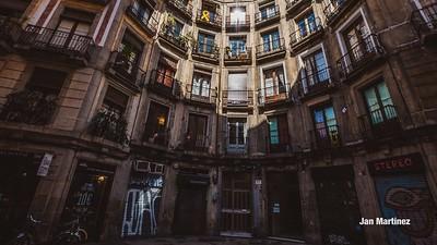 Milans Street Gotic Classic Narrow Bcn-15