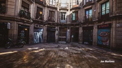 Milans Street Gotic Classic Narrow Bcn-13