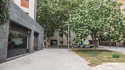 Pallars Fluvia Area Modern Street Bcn-11