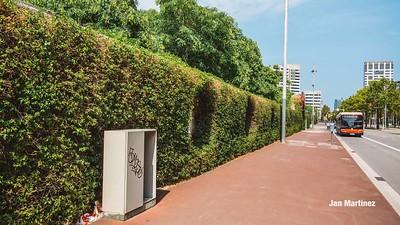 Poblenou Centre Park Area Flowers Walls Park Street Modern Bcn-8