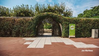 Poblenou Centre Park Area Flowers Walls Park Street Modern Bcn-7