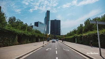 Poblenou Centre Park Area Flowers Walls Park Street Modern Bcn-50
