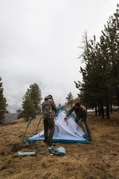 Casey Barton (_caseybarton_) and Sam Averett (samaverett) deploying the Skyscraper 2P while shed hunting in Oregon.