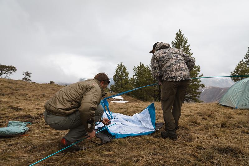 Casey Barton (_caseybarton_) and Sam Averett (samaverett) deploying the Skyscraper 2P while shed hunting in Oregon.