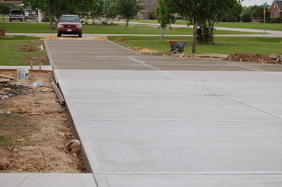 2012 04-11 driveway almost done