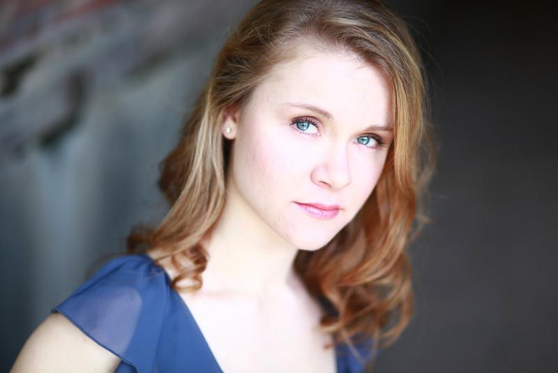 Amanda Marie Lipinski 002b