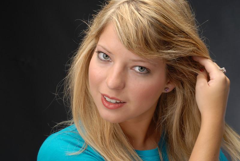 Lauren Sowa  007