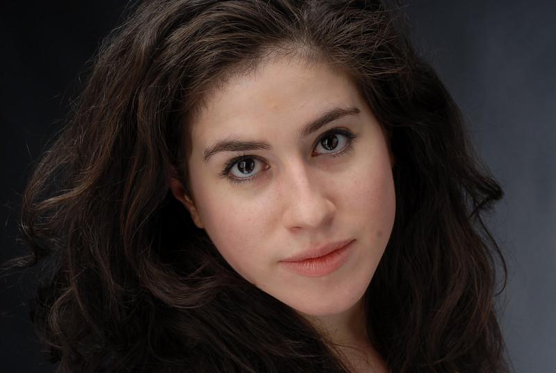 Lauren Cruz 012