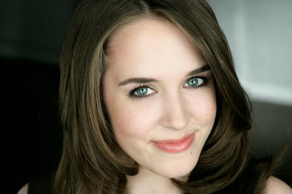 Rachel Lewis 001a