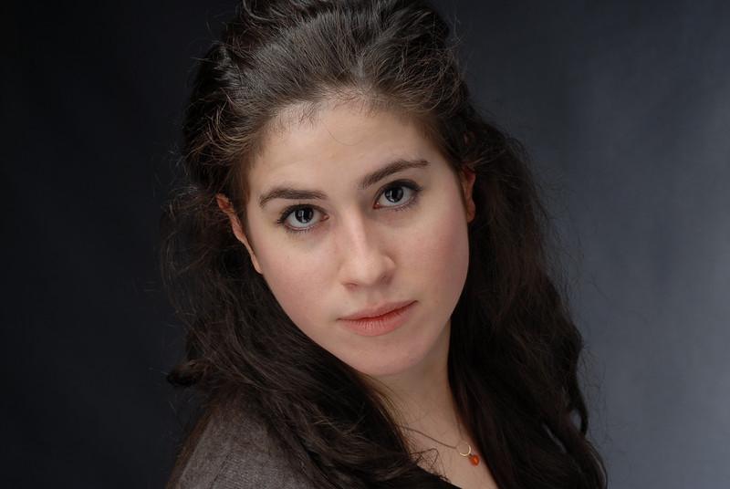 Lauren Cruz 002