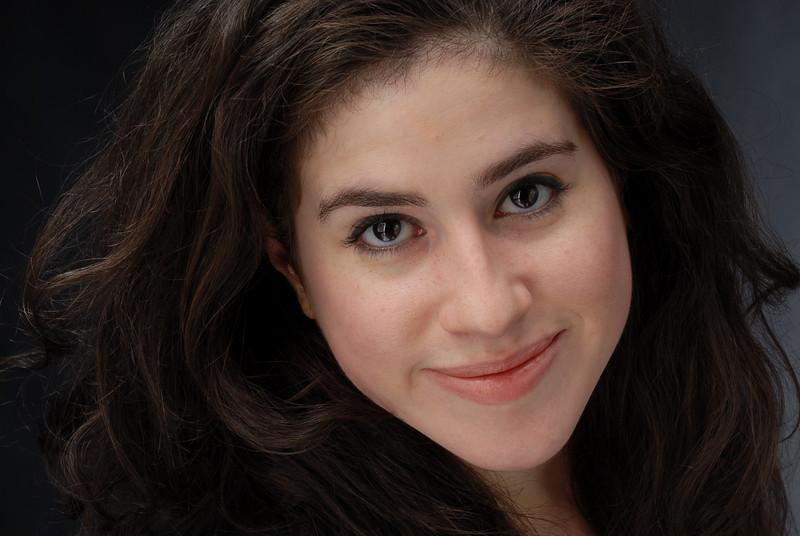 Lauren Cruz 013