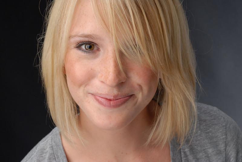 Julia Lowe 031