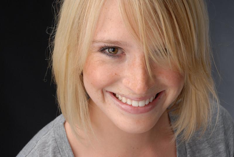 Julia Lowe 032