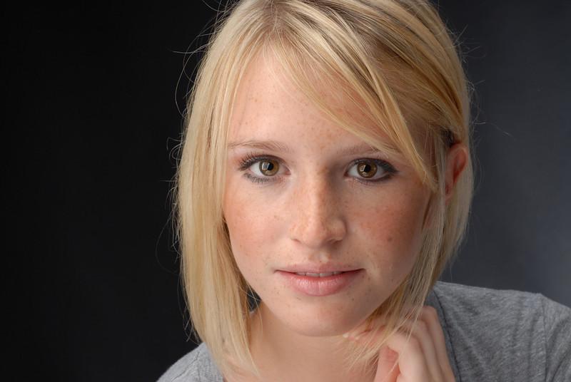 Julia Lowe 029