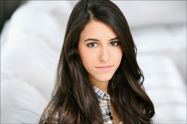 Gabrielle Kono 001c