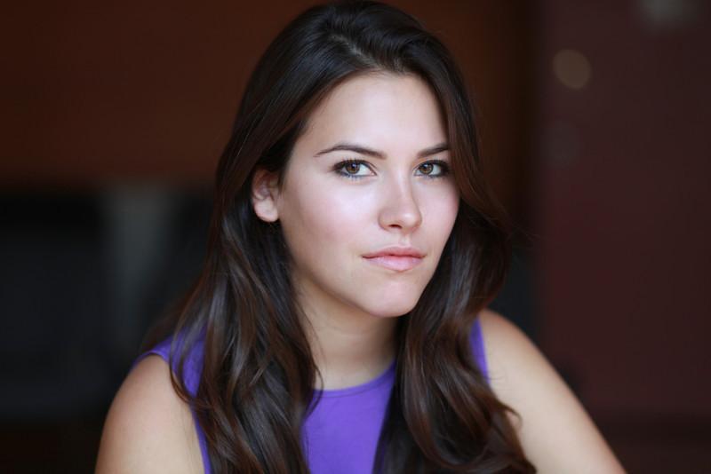 Elena Besser-038