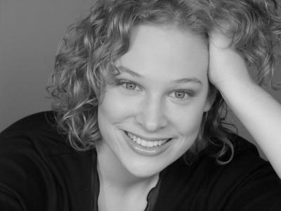 JOLIE YAIR played by Sara Wolski