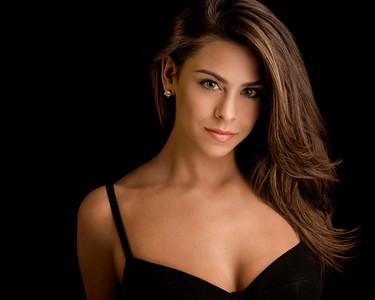 "RHONDA ""RONNIE"" SINK played by Sari Melain"