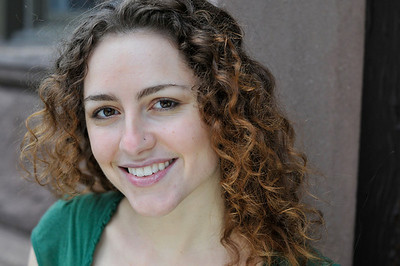 TAYLOR MONROE played by Caroline Bloom