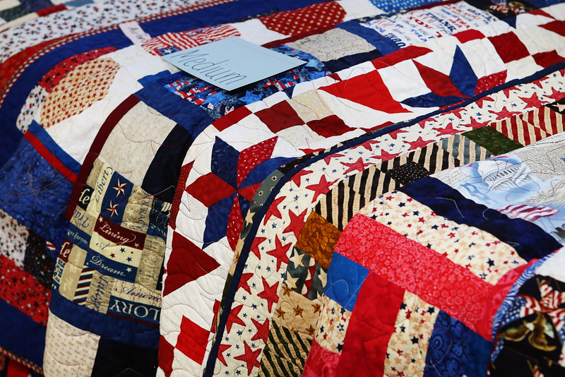 13Nov13 - LSHF - quilts by Golden Needles Guild 003
