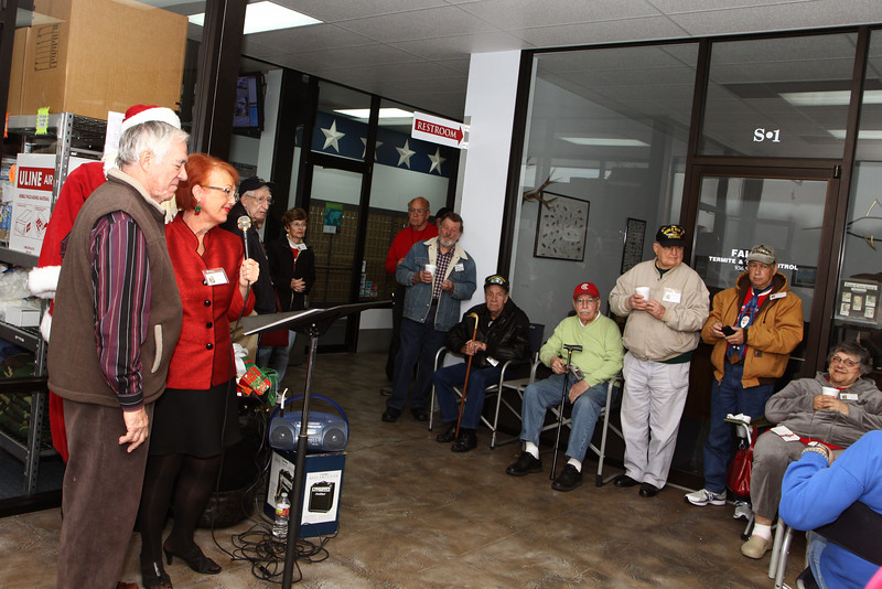Kim Wyant sings for the veterans