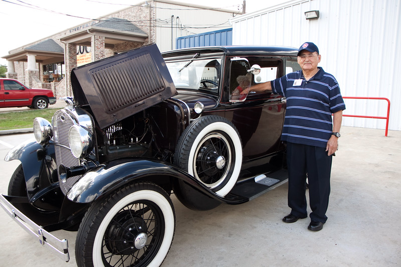 Leopold. Veterans and friends enjoyed a trip down memory lane while viewing a Model A Ford.  Model A courtesy of Jerry Kent from the Pinewood Model A club.