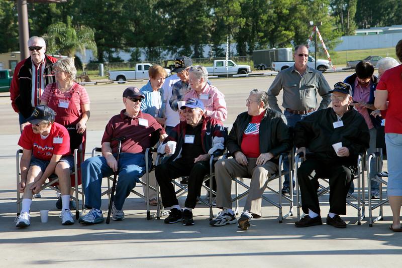 10Oct6 Flag Raising WWII veterans 014
