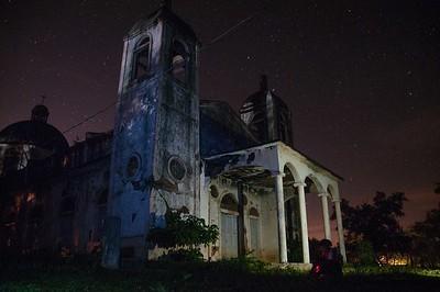 Iglesia Iluminada Por Las Estrella.