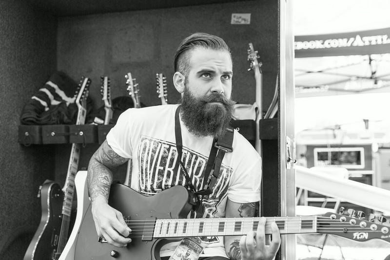 Tony Pizzuti Backstage at Warped Tour