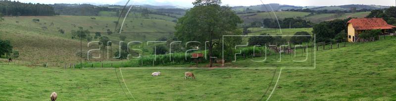 View of a farm in Sao Bras de Suacui, in Minas Gerais state, Brazil. (aproximate location: -20.648317, -44.015906) (Australfoto/Douglas Engle)