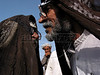 Arab viilagers greet each other near the city of Kerbala, Iraq.(Australfoto/Douglas Engle)