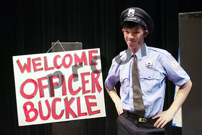 Officer Buckle and Gloria (May 2017)