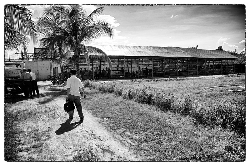 Ouk makes his way towards a prison in Pursat. He visits prisons to identify and interview prisoners that are languishing in prison without access to a lawyer. Most Cambodians can't afford a lawyer. He finds many more cases than he can handle.<br /> Poverty is compounded when a man or woman is arrested and sits in prison for months and years awaiting a trial as the family, usually living day by day, loses an income. Prisoner's  families must also spend money and time bringing them food, as none is provided.