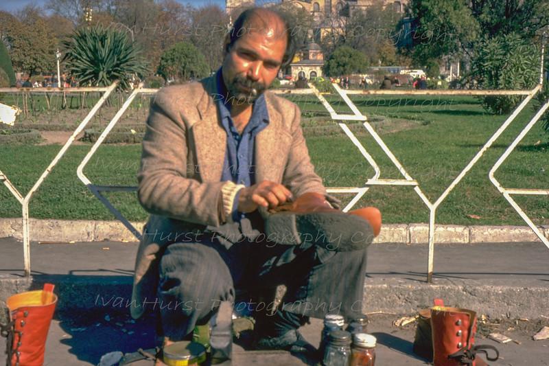 Street shoe shine in Sultanahmet Arkeolojik Park