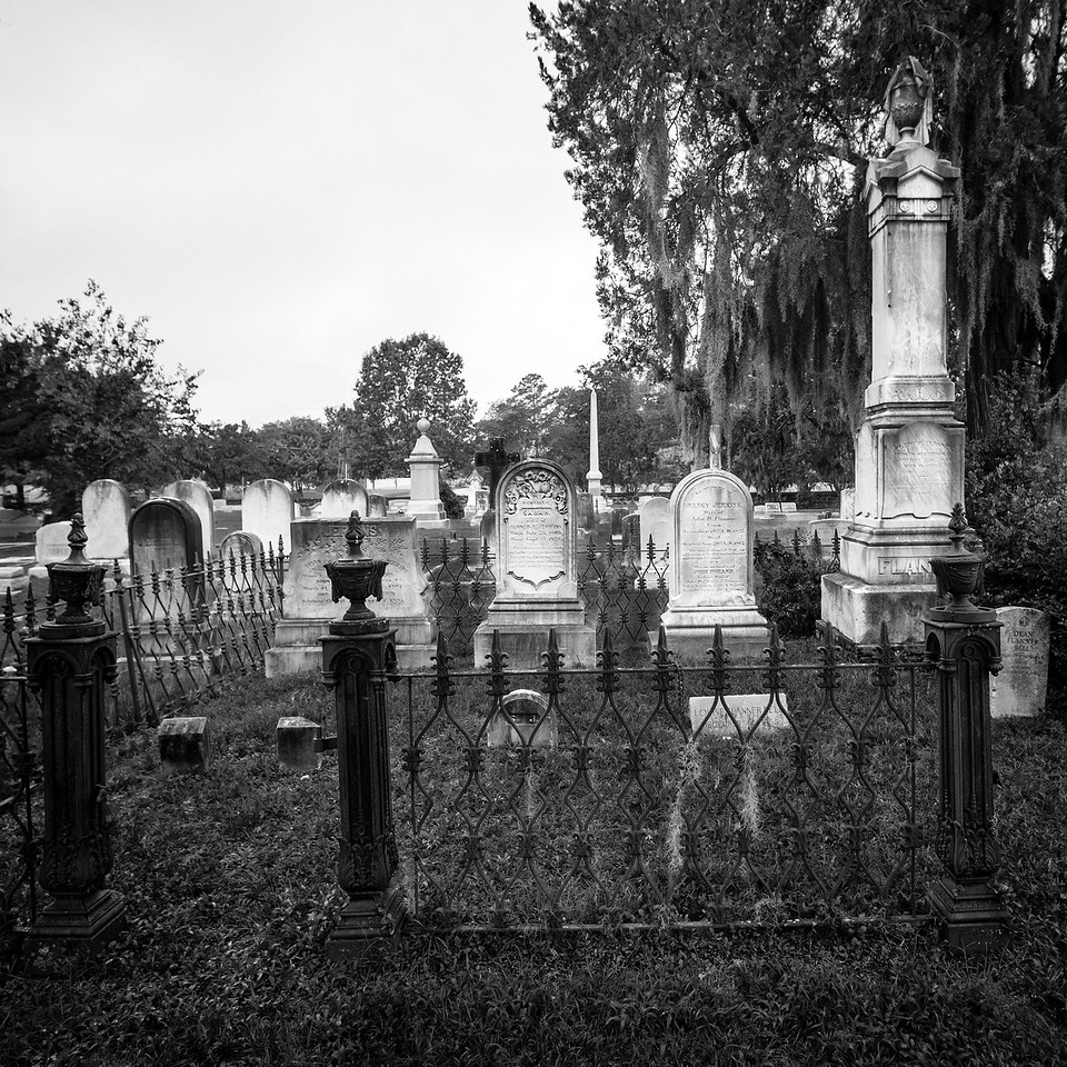 Graves and Memory