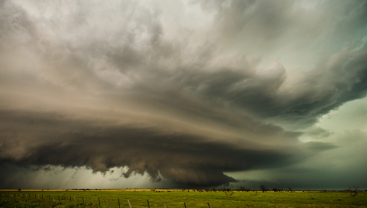 After getting away from the chase crowd, we enjoyed a supercell into the evening.