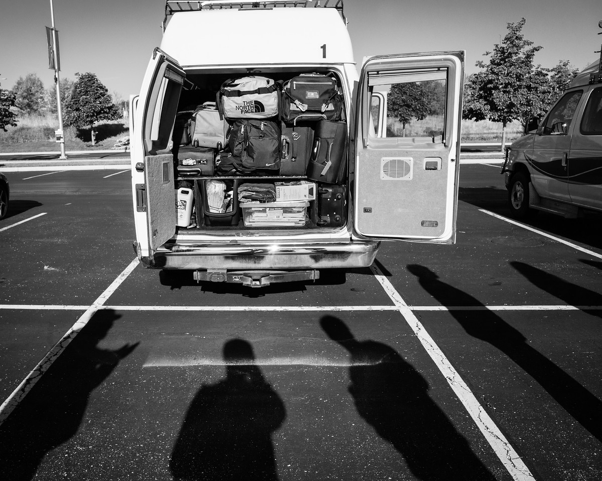 Day 1, 5/13: Glen Ellyn IL -> Overland Park KS<br />   8am: Vans were loaded and ready to hit the road.   Amy and Joe would be our drivers for this trip.   It was great to see them two again.  Last time I saw them was a couple years ago.   <br />   This would be my 3rd time chase with Amy; 2nd time with Joe; 3rd time with Victor; and 2nd time  with Matt.
