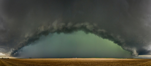 Farmhouse under Supercell Thunderstorm