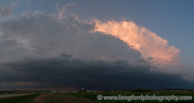 Last picture of the day as the junk finally kills our view.  We never did really see any lightning out of this cell.