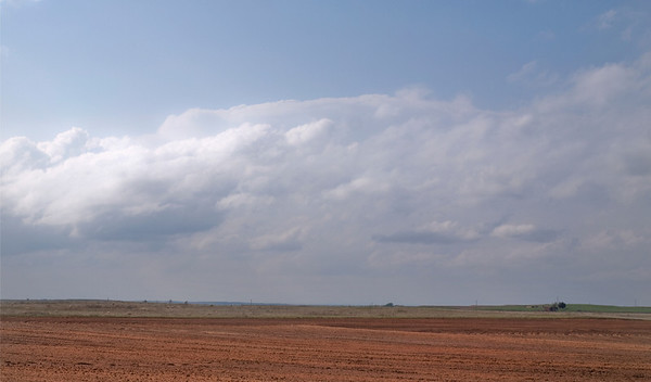 One of the distant Supercells up by Amarillo. Not much to look at from this distances.