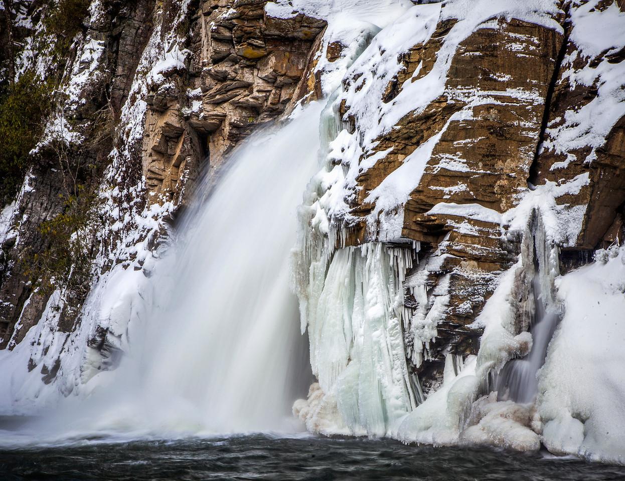 Liville Falls Snowstorm