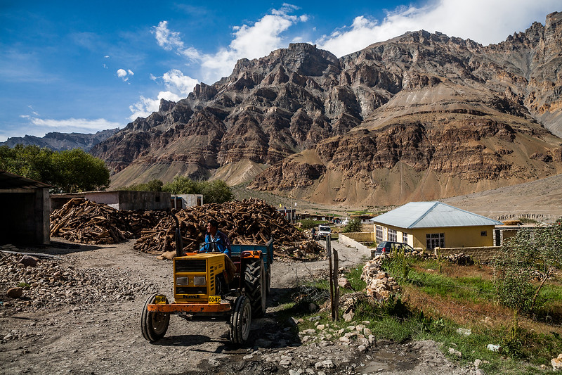 Tea halt at Losar on the way from Manali to Kaza in the Spiti valley