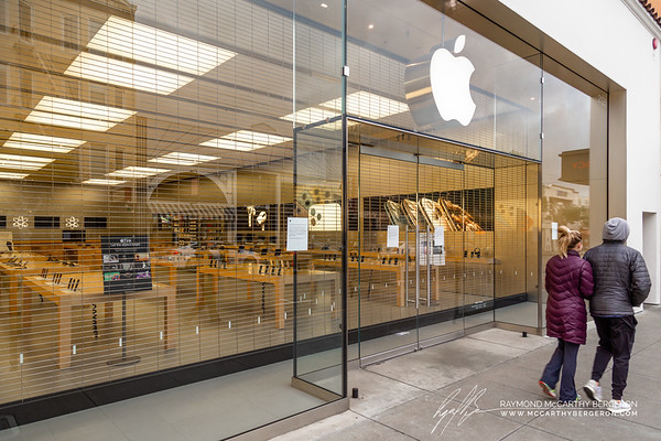 Apple was one of the first large coorperations to close their stores in the Bay Area.