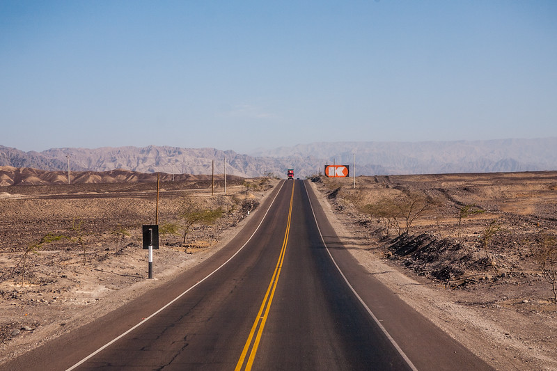 Road to Ica, a city in Peru surrounded by deserts