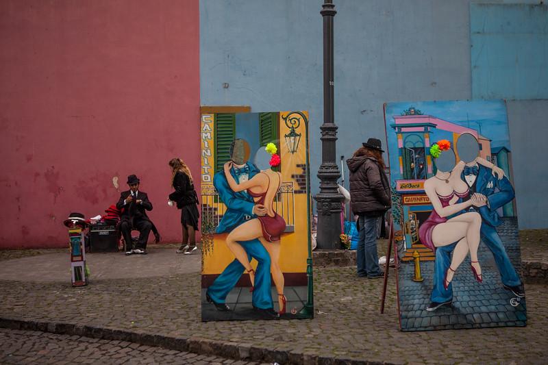 Tango poses, La Boca, Buenos Aires, Argentina