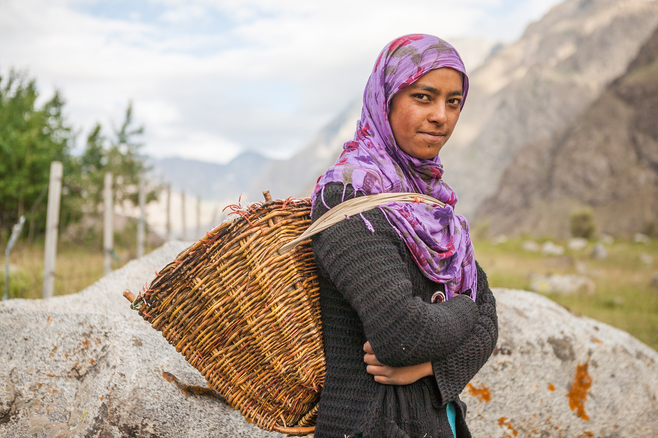Women from Drass carry these multi purpose baskets every time they step out. They are used to carry mud, dung, crops, flock and children!
