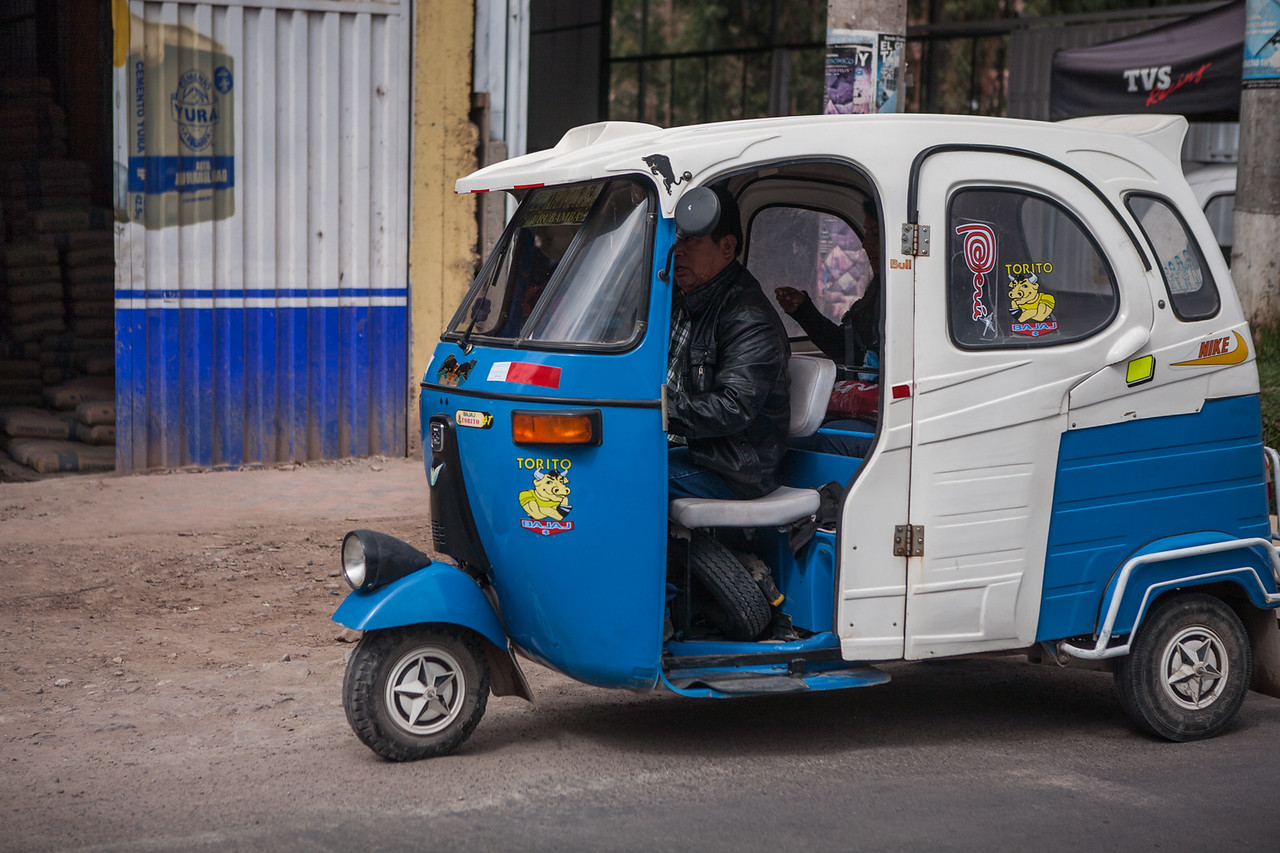 Bajaj auto, Peru
