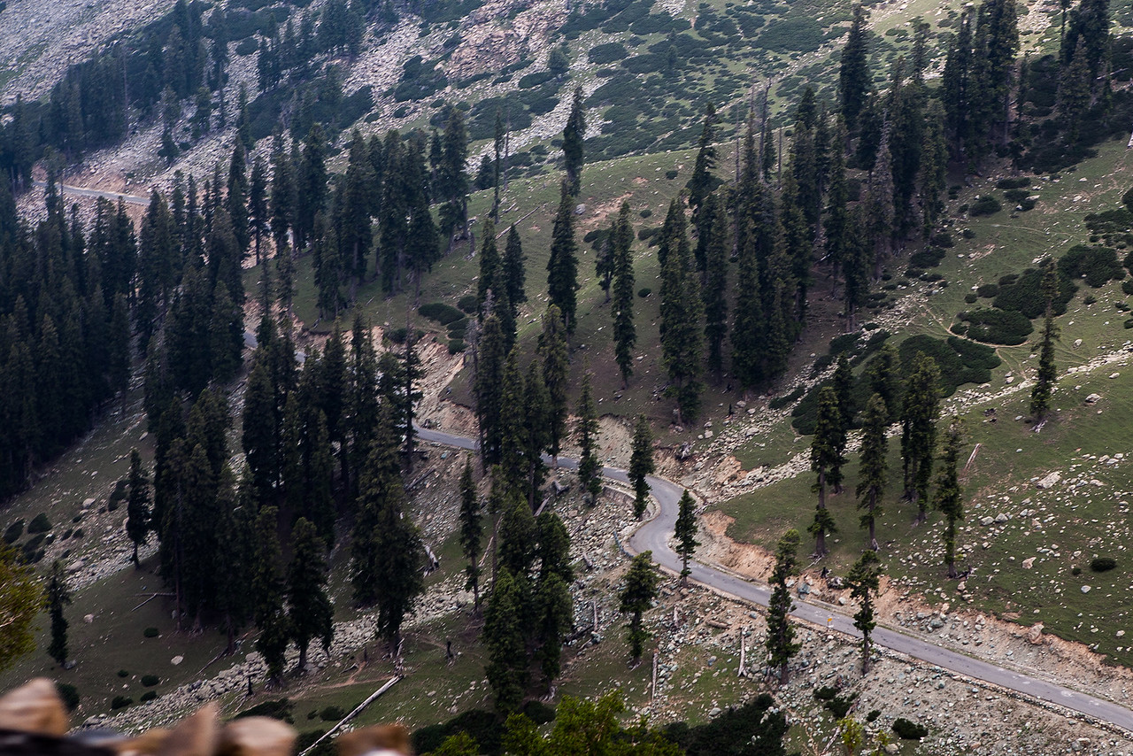 The stretch of national highway NH1-B from Daksum to Sinthan Top, Kashmir