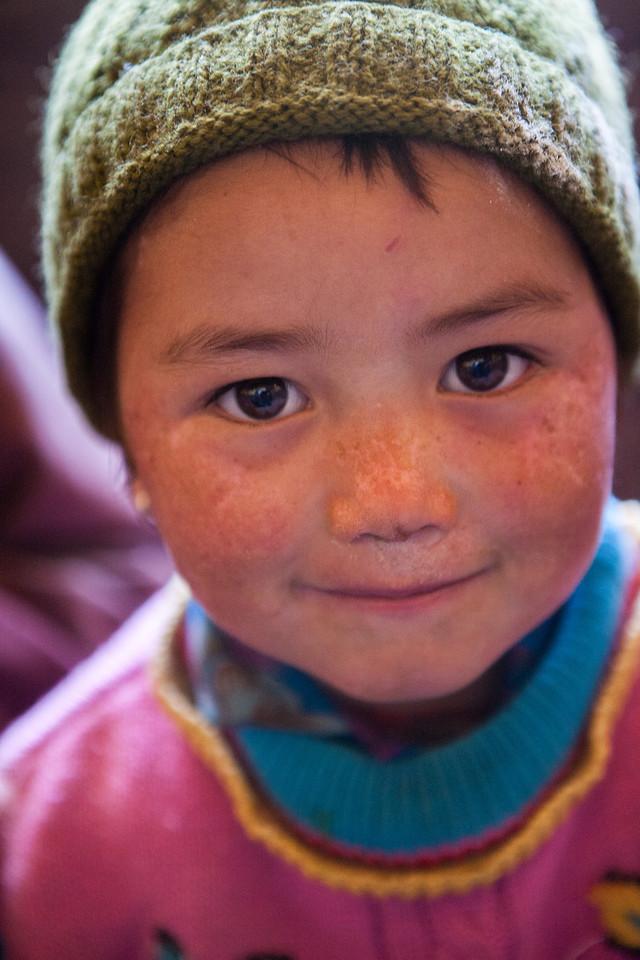 Family from Anmu village en route Phuktal monastery, Zanskar, India
