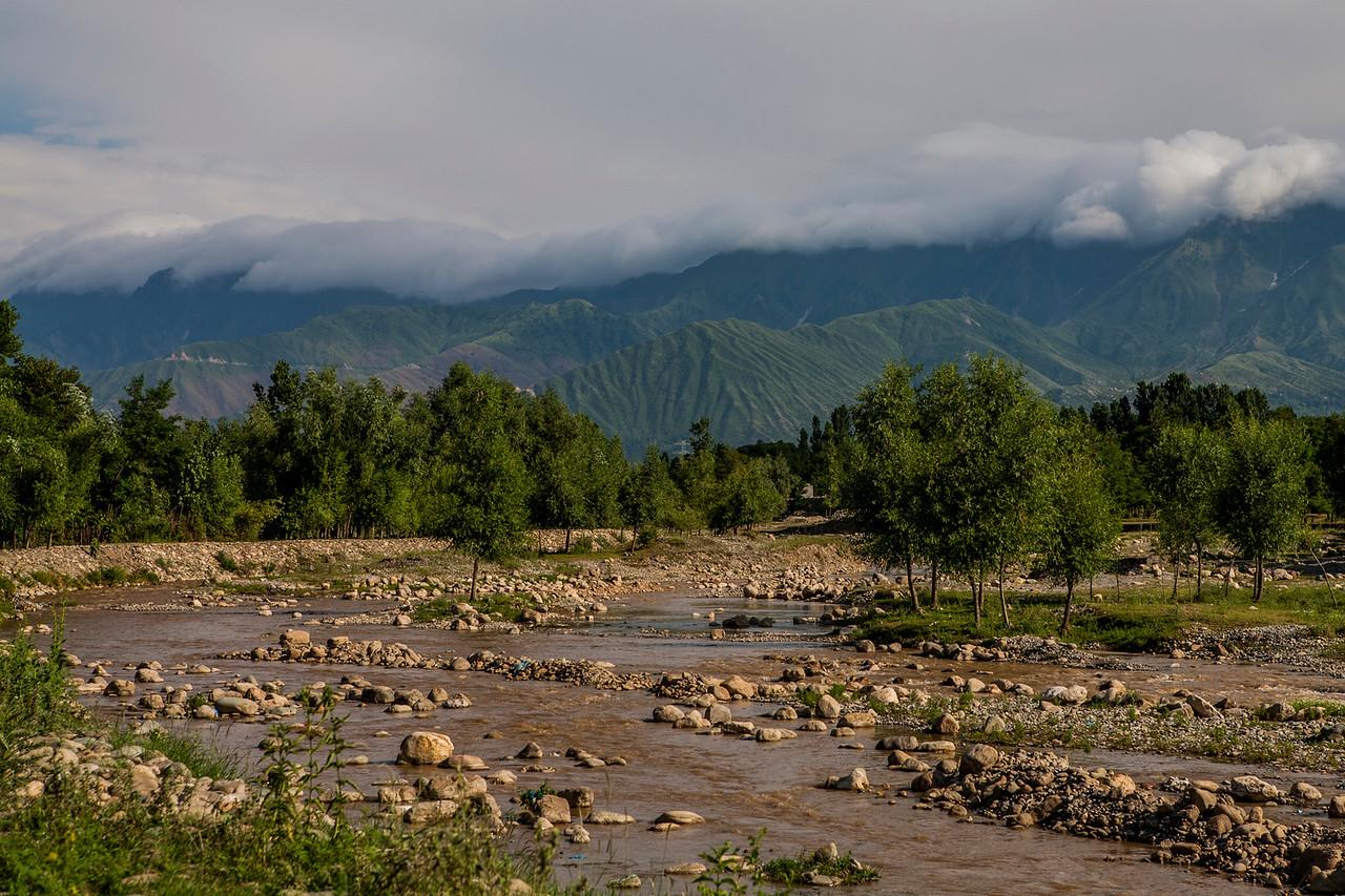 Kolam Chinar, a village with sulphur springs in Kashmir